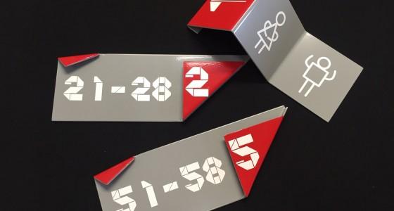 plaques en acier laqué avec adhésif